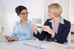 Teamarbeit unter Frauen: erfolgreiche Zusammenarbeit